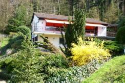 Einfamilienhaus mit unverbaubarem Weitblick in ruhiger Waldrandlage