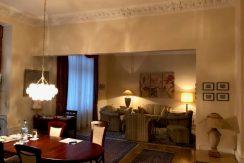 5-Zimmer-Altbau-Etagenwohnung in historischem Villenanwesen