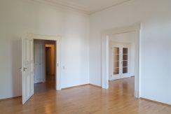 Großzügige Altbau-Etagenwohnung im Stadtzentrum von Baden-Baden
