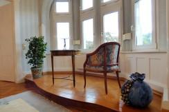 Klassische Altbau-Etagenwohnung  in typisch Baden-Badener Gründerzeitvilla