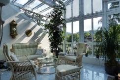 Penthouse-Eigentumswohnung mit  sonnenverwöhntem Wintergarten in bester Villen-Wohnlage