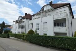 Modernisierte 2-Zimmer-Wohnung mit Terrasse, EBK, Lift und TG-Stellplatz in ruhiger Citywohnlage