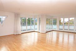 Moderne 3-Zimmer-Penthousewohnung mit  traumhaftem Rundumblick über die Stadt
