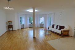 Frisch renovierte 2-Zimmer-Eigentumswohnung in zentrumsnaher Wohnlage