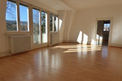 Repräsentative 4-Zimmer-Wohnung  mit historischem Altbauflair in stadtbildprägendem Anwesen
