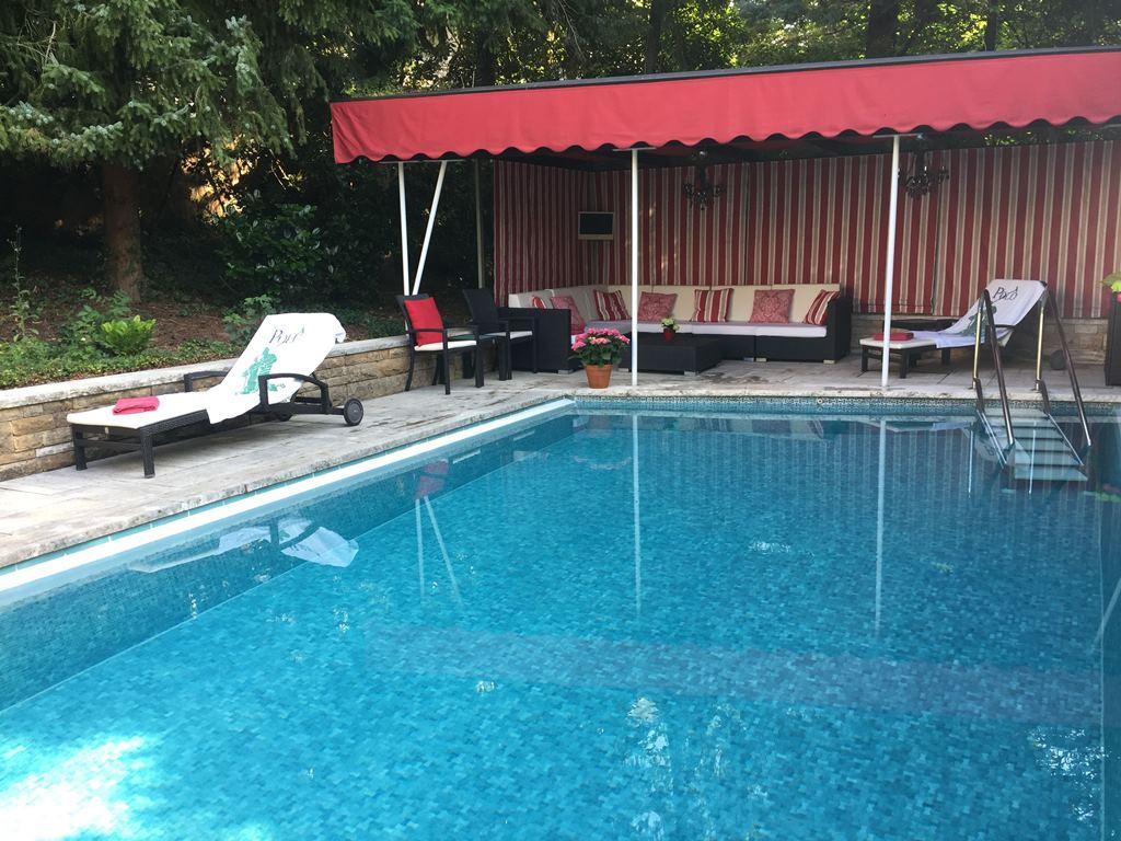 Einfamilienhaus mit sonnenverwöhntem Außen-Pool