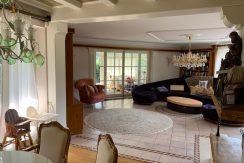 1 ½ geschossiger Bungalow mit großer  Einliegerwohnung in idyllischer Wohnlage