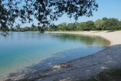 Freizeit-Areal in idyllischer Lage mit Naturbadesee und weiteren Freizeitsaktivitäten